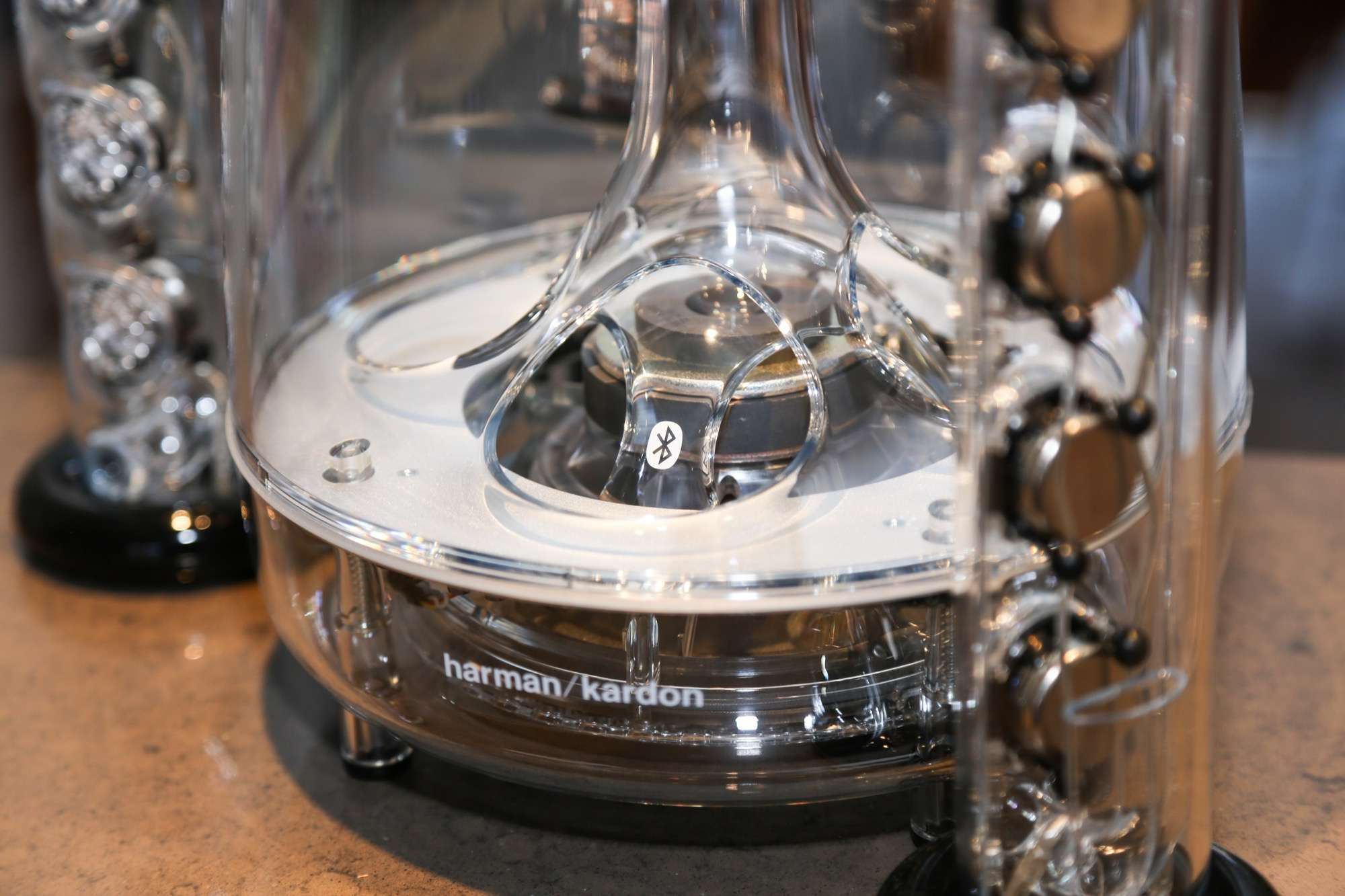 Harman-Kardon-Soundsticks-altavoz-bluetooth