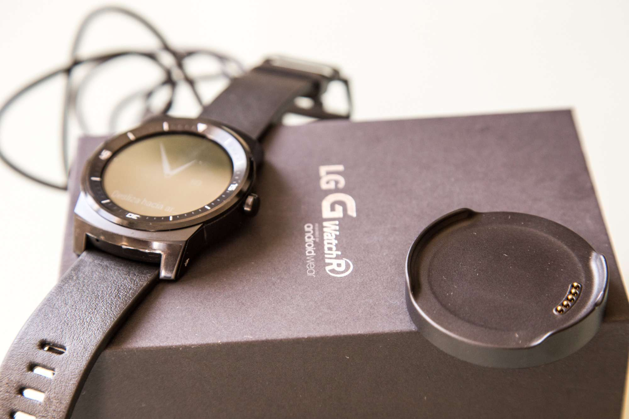 LG G Watch R Android Wear Desempaquetado Unboxing Analisis Review Español Apple